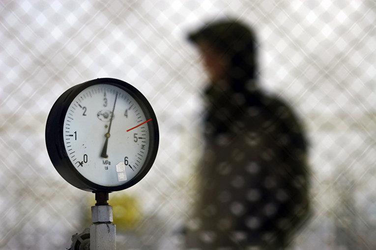 Манометр на газовой станции недалеко от болгарской столицы Софии