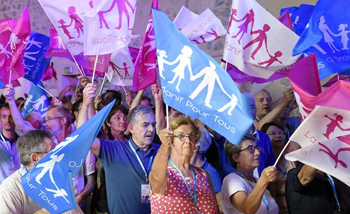 Демонстрация La Manif pour Tous за традиционные семейные ценности в Сен-Морис