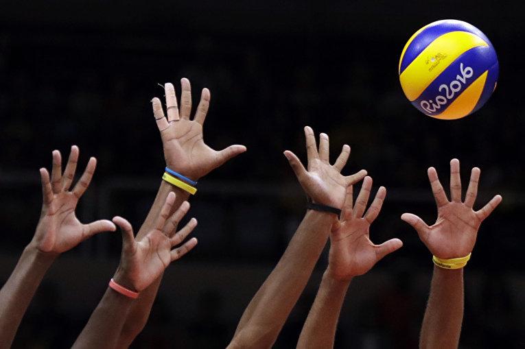 Волейбольный матч между командами Кубы и Ирана