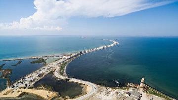 """Строящийся участок дороги от трассы М-25 до Керченского пролива и будущей трассы """"Таврида"""""""