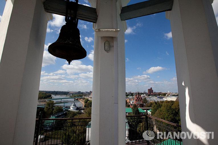 Звонница Спасо-Преображенского монастыря в городе Ярославле