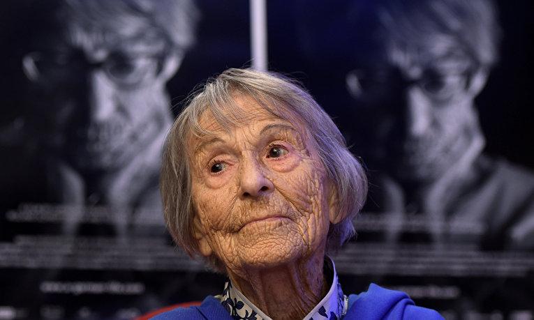 Брунгильда Помзель, работавшая секретарем Йозефа Геббельса