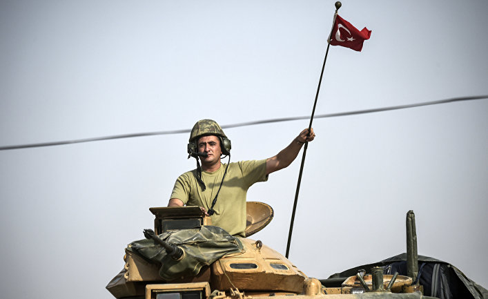 Турецкий солдат недалеко от границы с Сирией, 25 августа 2016