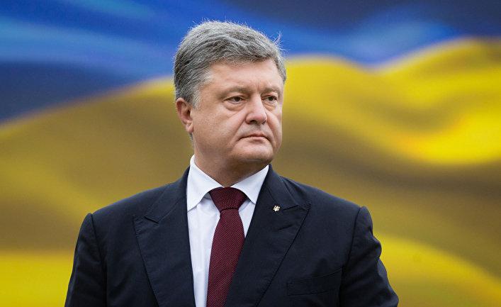 Президент Украины Петр Порошенко на параде по случаю 25-летней годовщины со Дня Независимости Украины в Киеве