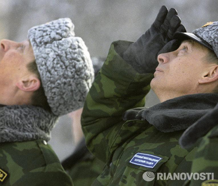 """В. В. Путин и С. Б. Иванов на космодроме """"Плесецк"""""""