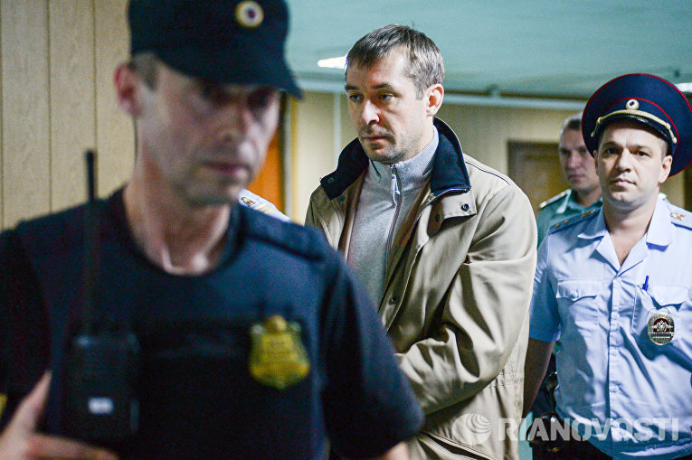 В Пресненском суде Москвы рассматривается ходатайство следствия об аресте Д. Захарченко