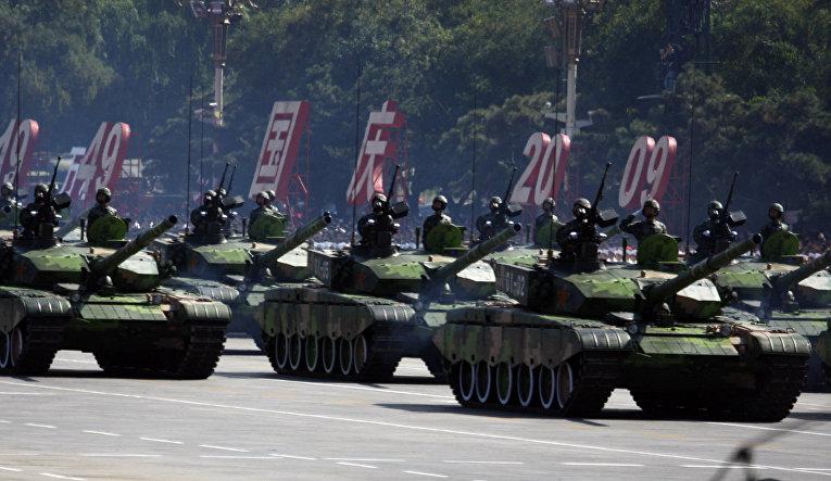 Танки на военном параде в Пекине, посвященном 60-летию образования КНР, 1 октября 2009 года