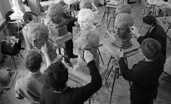 Московская средняя художественная школа