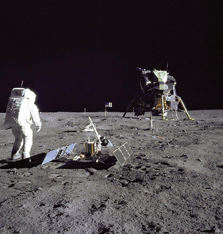 Астронавт Эдвин Олдрин на Луне
