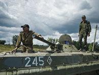 Ополченцы на месте крушения самолета Малайзийских авиалиний