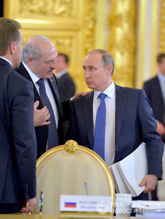 Владимир Путин и Александр Лукашенко принимают участие в саммитах ОДКБ и ВЕЭС в Москве