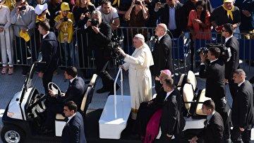 Месса папы римского Франциска на стадионе им. М.Ш. Месхи в Тбилиси