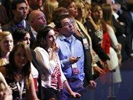 Избиратели следят за ходом выборов президента США