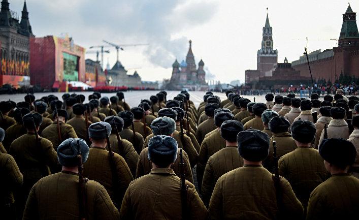 Парад на Красной площади в Москве