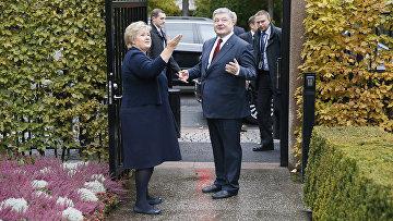 Премьер-министр Норвегии Эрны Солберг и президент Украины Петр Порошенко
