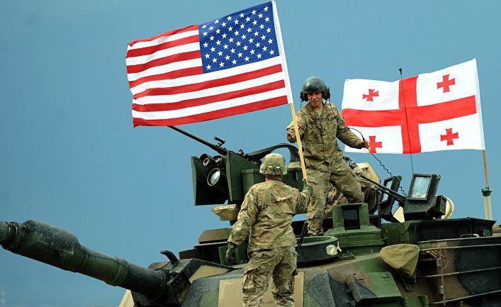 Американские военнослужащие во время американо-грузинских совместных военных учений Noble Partner