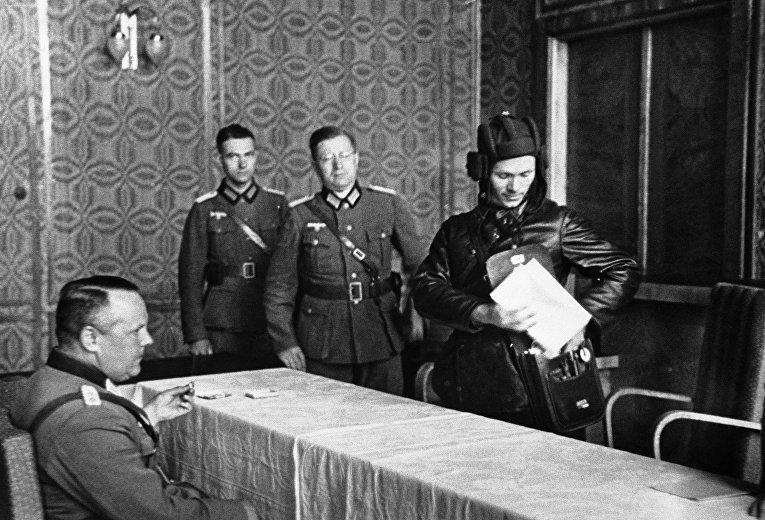 Немецкий генерал и представитель Красной Армии в Брест-Литовске