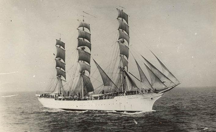 Учебный корабль Военно-морских сил Финляндии «Суомен Йоутсен»