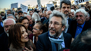 Главный редактор турецкой оппозиционной газеты Cumhuriyet Кан Дюндар
