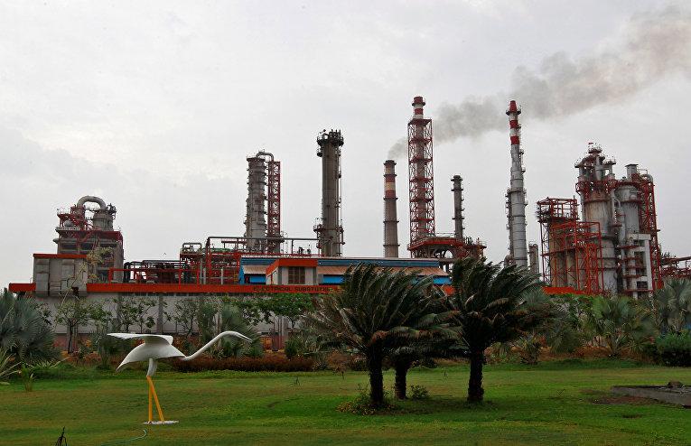 НПЗ Essar Oil в городе Вадинар. 4 октября 2016 года.