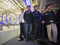 Сотрудники завода Volkswagen в городе Тяньцзинь