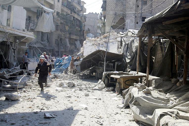 Последствия бомбардировок в Алеппо