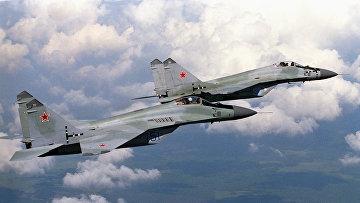 Сверхзвуковой истребитель МиГ-29 в воздухе