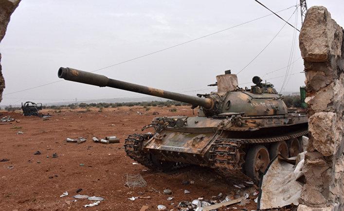 Танк Т-54 сирийских правительственных войск в Алеппо