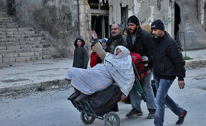 Жители Алеппо эвакуируются из восточных районов города