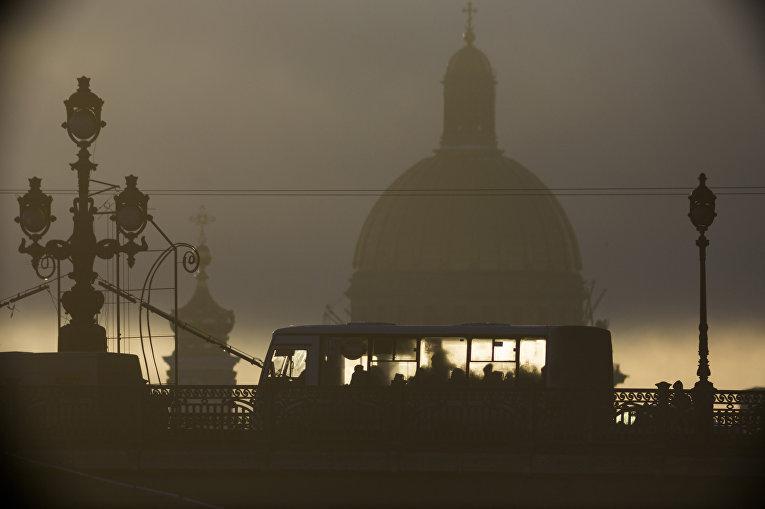 Троицкий мост в Санкт-Петербурге