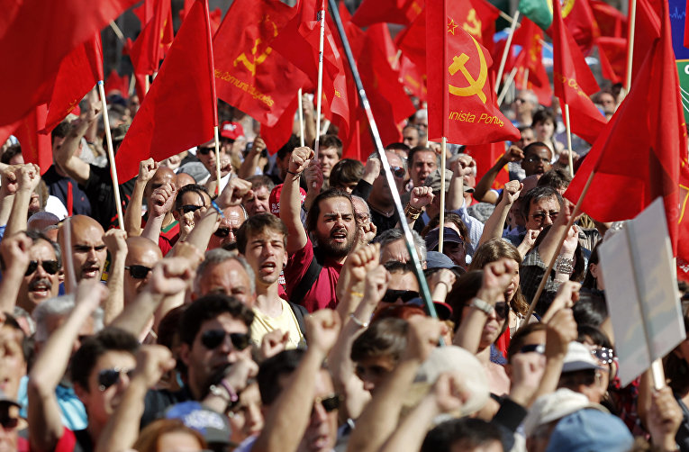 Демонстрация португальской коммунистической партии в Лиссабоне