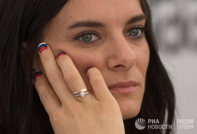 Елена Исинбаева провела открытую тренировку в Москве