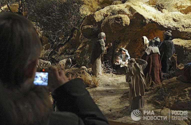Выставка рождественских вертепов в Храме Христа Спасителя в Москве