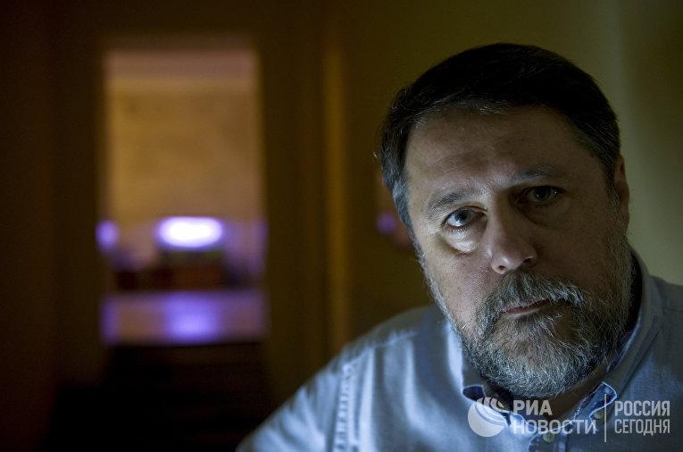 Интервью с режиссером Виталием Манским