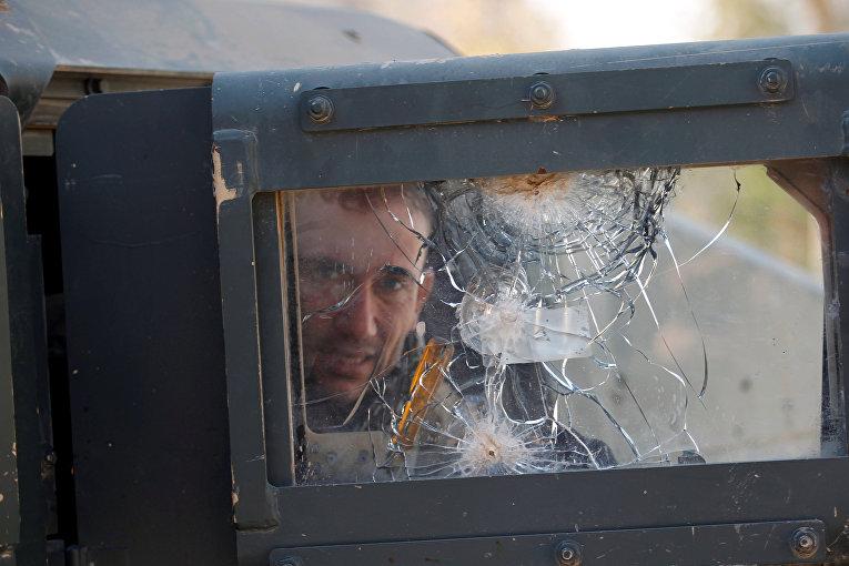 Иракский солдат в военной технике во время боя с боевиками ИГИЛ в Мосуле