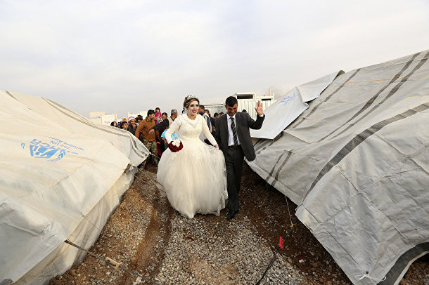 Свадьба в лагере беженцев в Мосуле