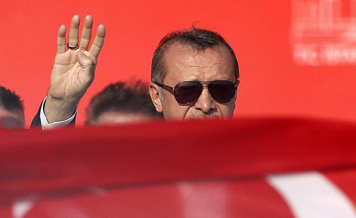Президент Турции Реджеп Тайип Эрдоган во время митинга «Демократия и мученики» в Стамбуле
