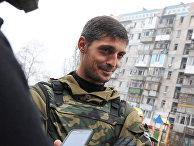 Ополченец ДНР с позывным «Гиви» в Донецке