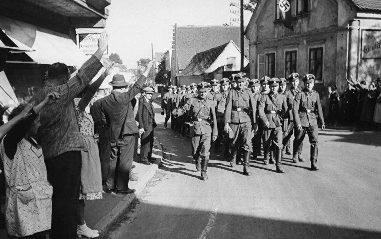 Отряд немецких войск в деревне Либенштайн, 1938 год