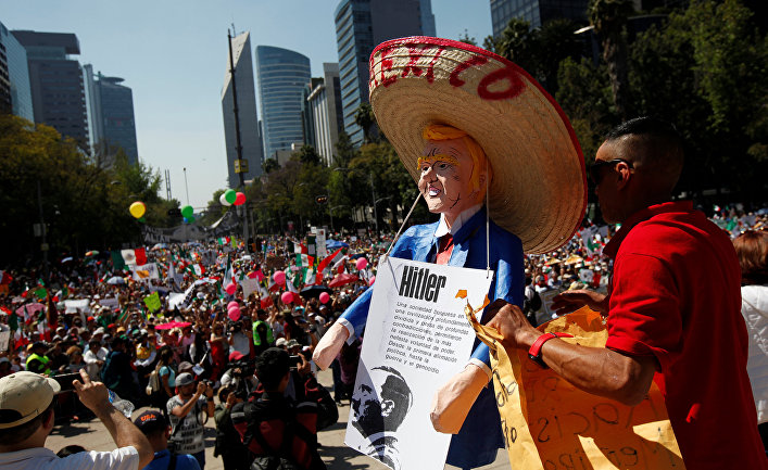 Акция протеста против политики Дональда Трампа в Мексике