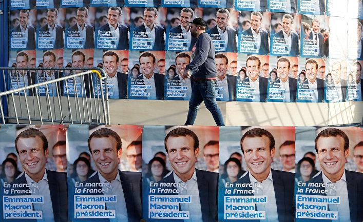 Плакаты с предвыборной агитацией в Талансе