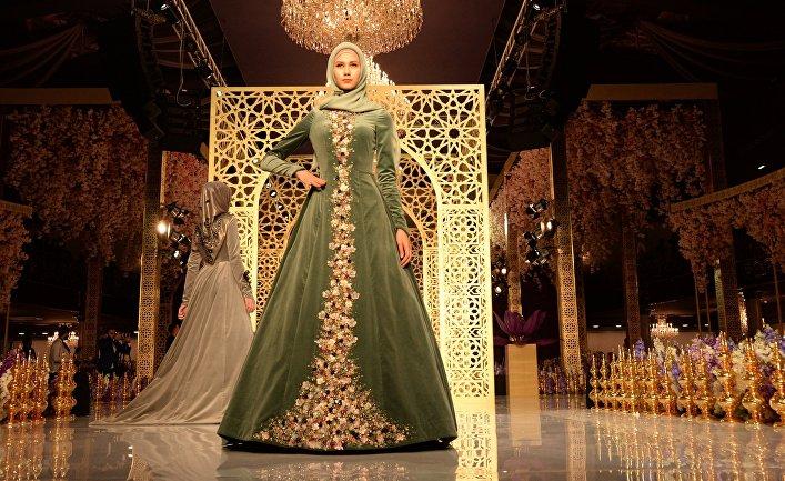 Показ линии одежды главного дизайнера Дома моды «Firdaws» Айшат Кадыровой в Грозном