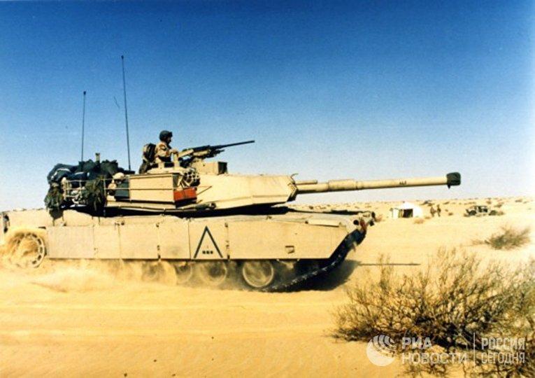 Танк M1 Abrams в пустыне Саудовской Аравии