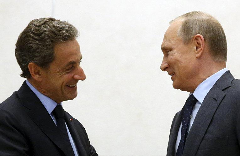 Владимира Путин и Николя Саркози во время встречи в резиденции Ново-Огарево
