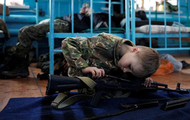Учащиеся кадетской школы в Ставрополье