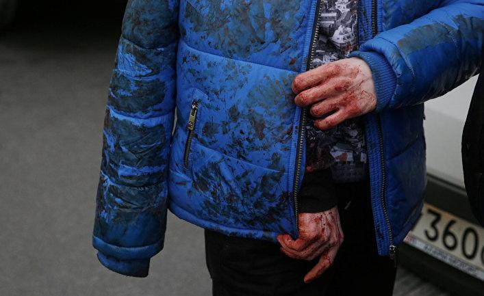 Раненый человек у станции метро «Сенная площадь»