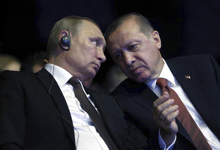 Президент РФ Владимир Путин и президент Турции Реджеп Тайип Эрдоган на 23-м Мировом энергетическом конгрессе в Стамбуле