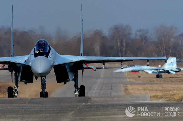 Авиаполк Восточного военного округа получил два новых истребителя Су-35С