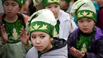 Жители города Байконур во время праздника Навруз