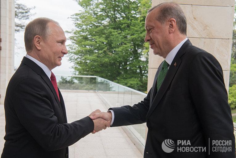 Президент РФ Владимир Путин и президент Турции Реджеп Тайип Эрдоган во время встречи. 3 мая 2017